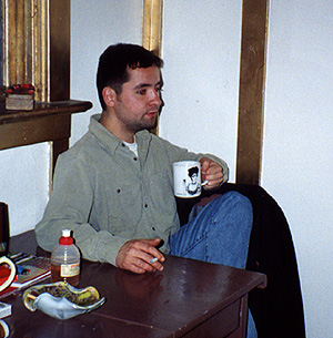 lookingnastyandtired.JPG (59982 bytes)